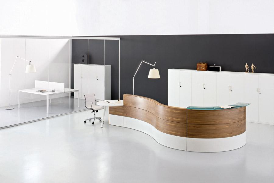 Arredi recepion ufficio mobili banconi reception ufficio for Mobili per reception